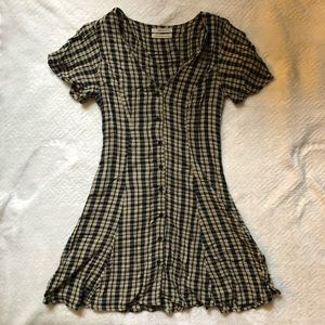 URBAN OUTFITTERS button up checkered dress